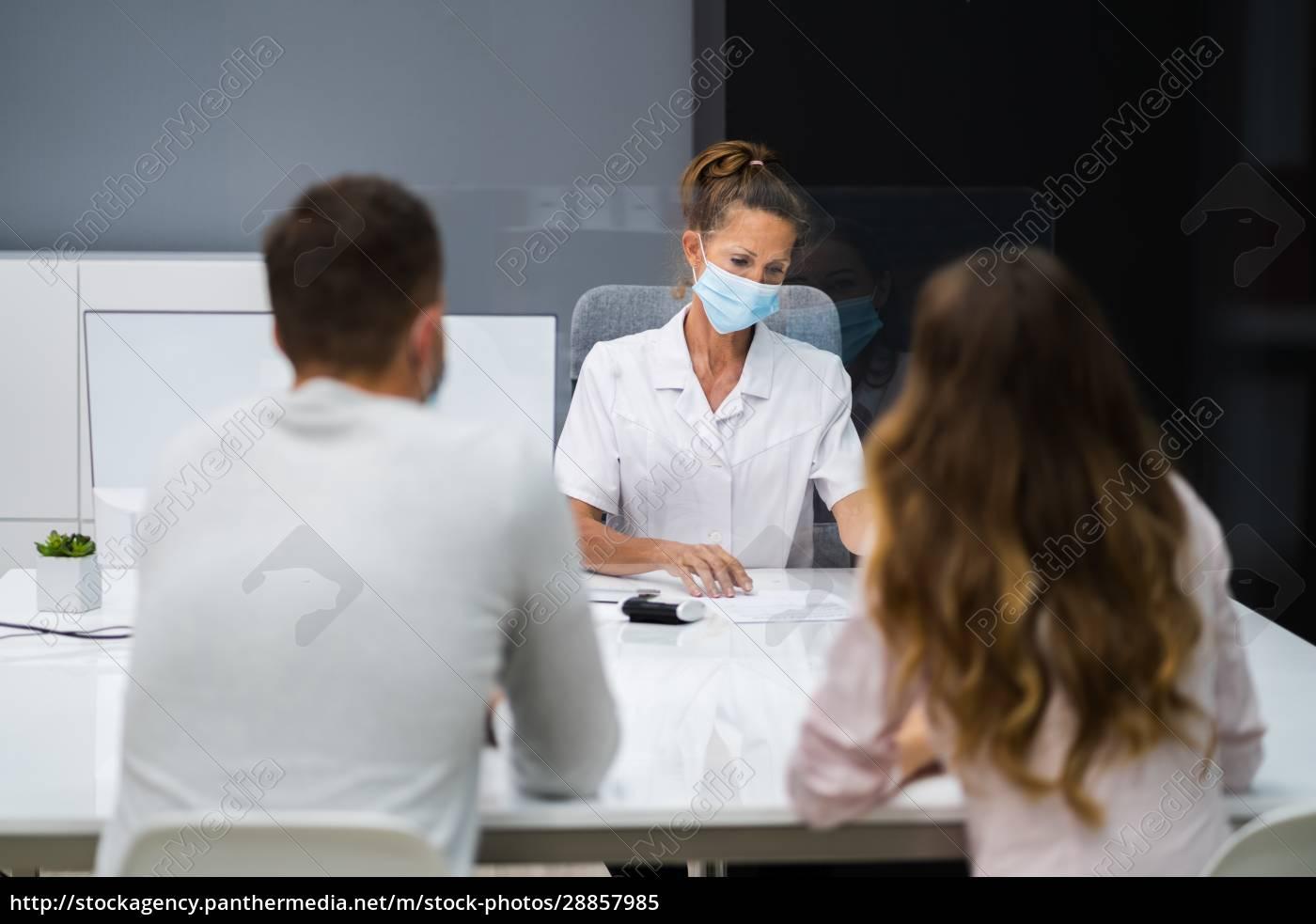 arzt, spricht, mit, patient, bei, treffen - 28857985