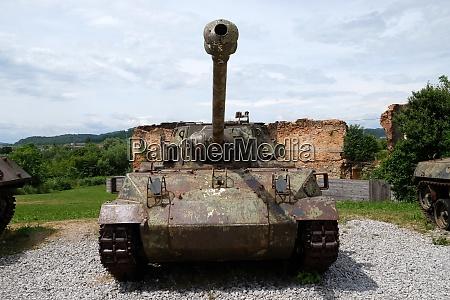 militaerpanzer freilichtmuseum des kroatischen unabhaengigkeitskrieges 1991
