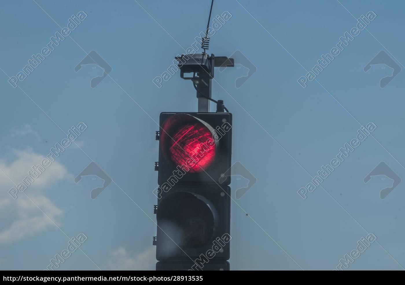 rote, ampel, auf, der, straße - 28913535