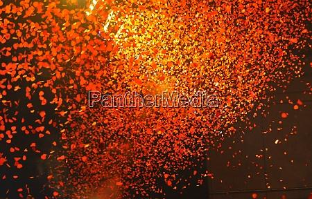 die farbe orange verbunden mit unterhaltung