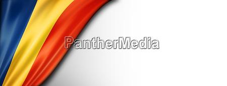 tschad flagge auf weissem banner isoliert
