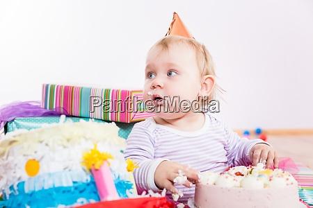 kleinkind essen geburtstagstorte