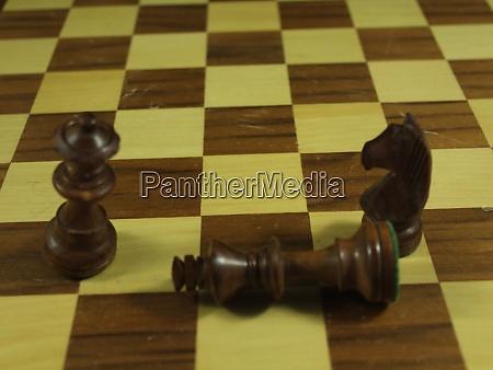 schönes, schachspiel, mit, verschiedenen, figuren, strategie - 28962690