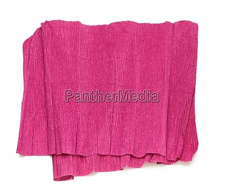 gefaltetes blatt aus rotem wellpappepapier isoliert