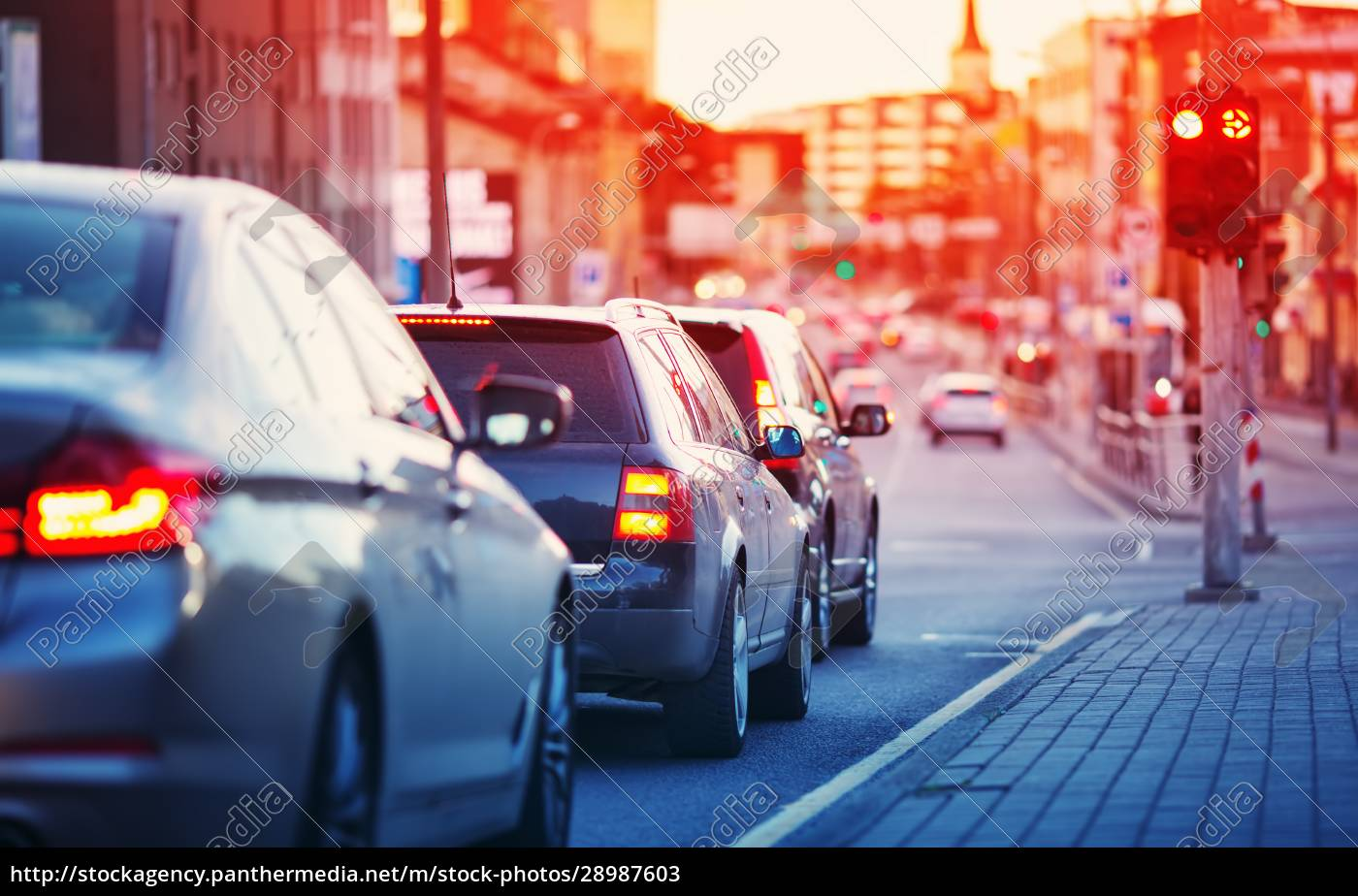 autos, fahren, am, späten, abend, in - 28987603