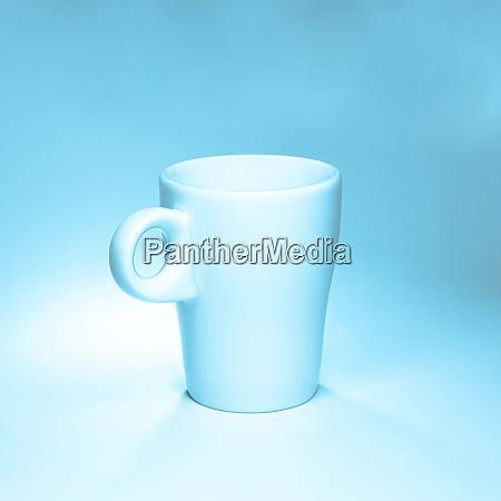 kaffeetasse auf weissem hintergrund