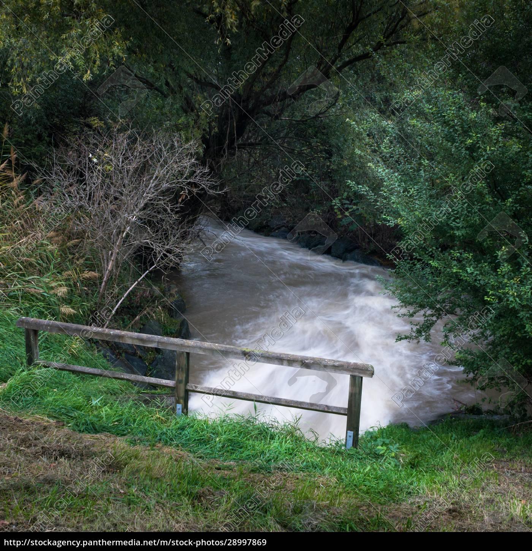 wasserstrom, verursacht, hochwasser, im, burgenland - 28997869