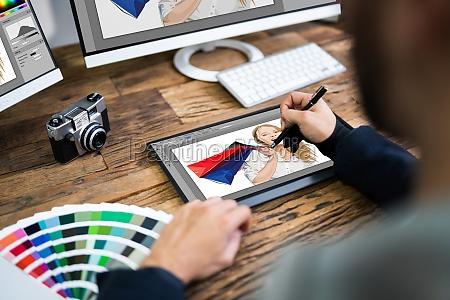 grafik kuenstler designer zeichnung skizze auf
