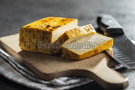 wuerfel aus mariniertem tofu