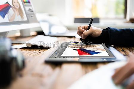 grafik kuenstler designer zeichnungsskizze