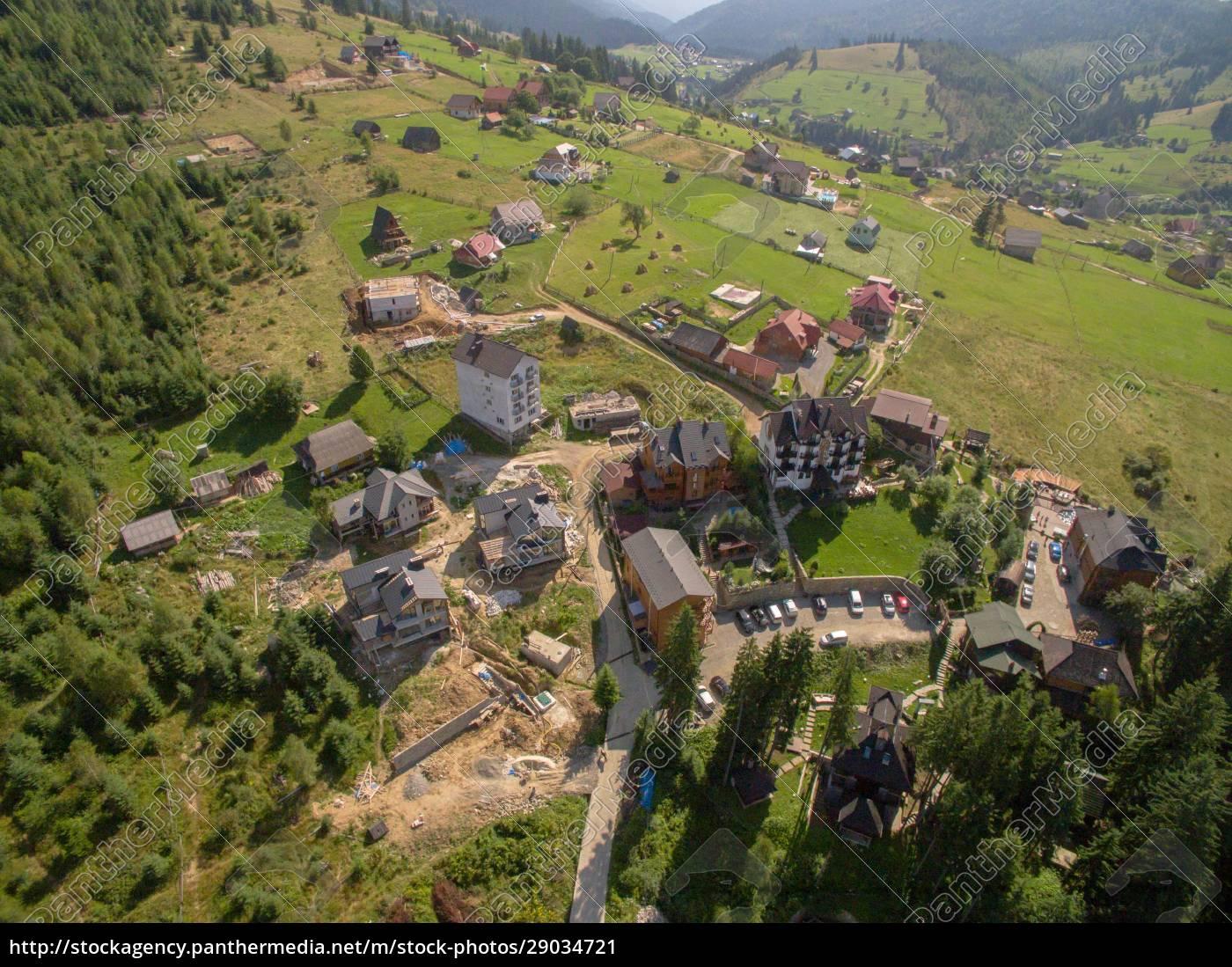 grüne, berge., luftaufnahme, über, privathotels - 29034721