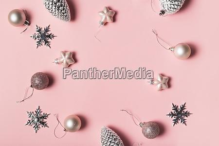 weihnachts grusskarte geschenk boxen und weihnachtsdekorationen