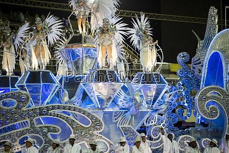 samba, parade, bei, der, 2020, karneval, champions - 29041665