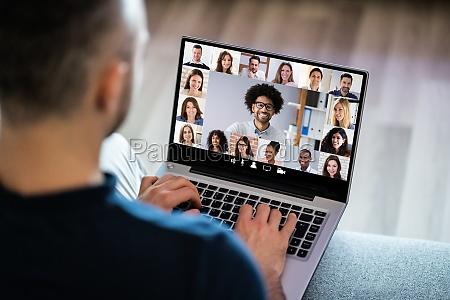 videokonferenzen webinar chat oder videokonferenz