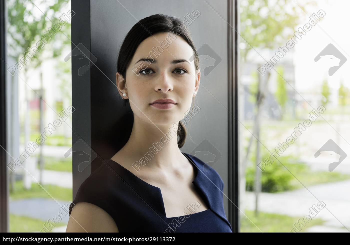 close-up, of, confident, businesswoman, by, window - 29113372