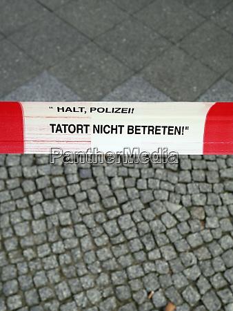 deutschland berlin abgesperrter tatort