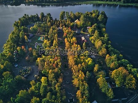 bäume, im, vergnügungspark, am, kotorosl, river - 29120848