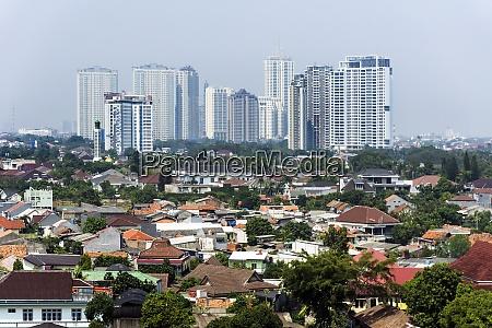 indonesien jakarta cityview mit benachteiligtem gebiet