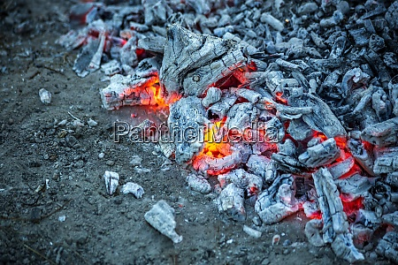 lagerfeuer flammen garten asche co2 holz