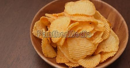 essen kartoffelchip in der partei