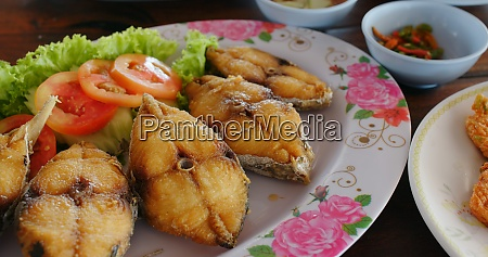 kuchen kueche fisch essen gebraten mahlzeit