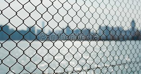 metallische, zäune, am, meer, am, abend - 29195040