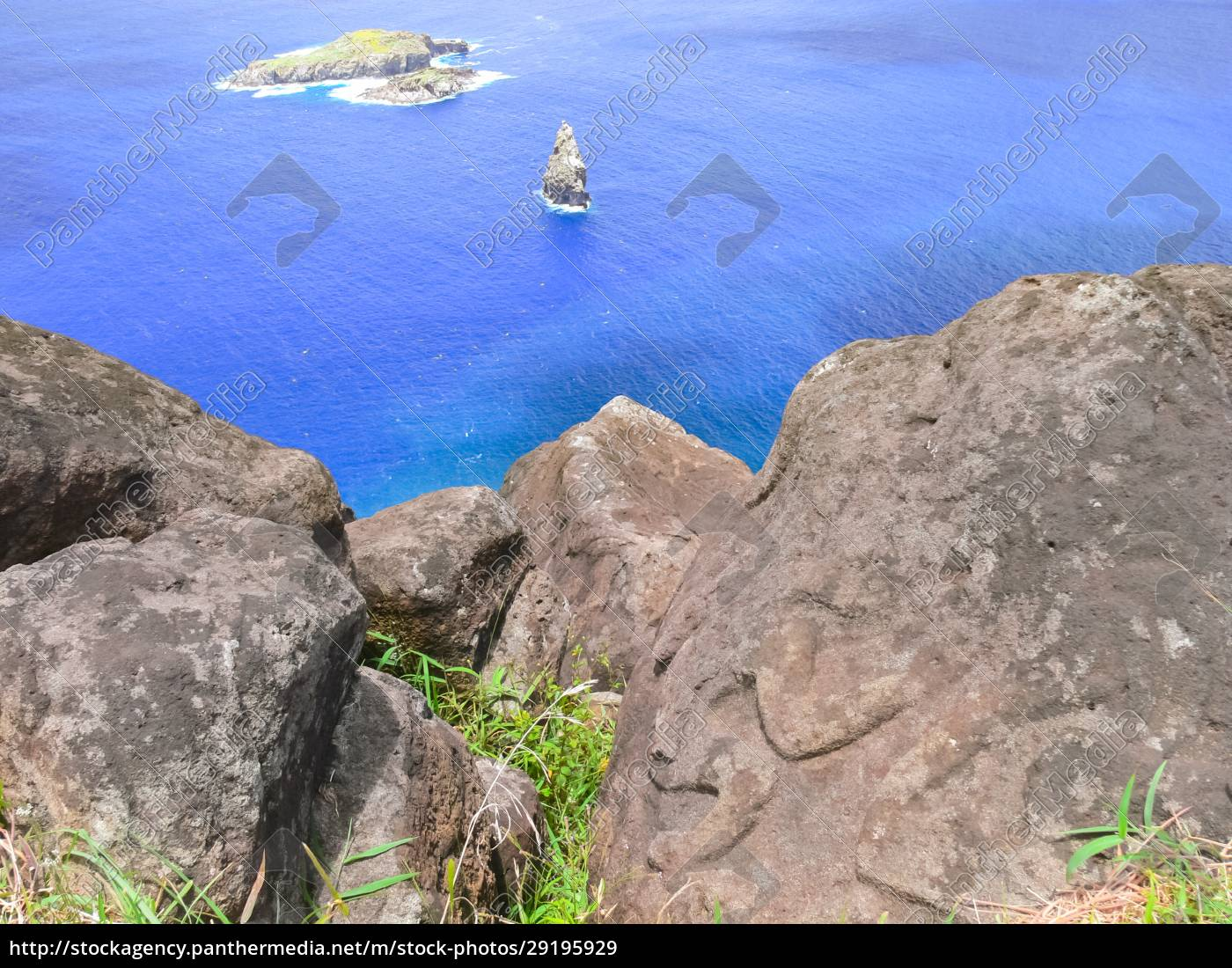 rocks, with, rock, engraving., easter, island, - 29195929