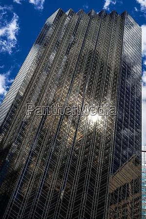 trump tower und sterne und streifen