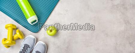 sport und fitnessgeraete mit copyspace