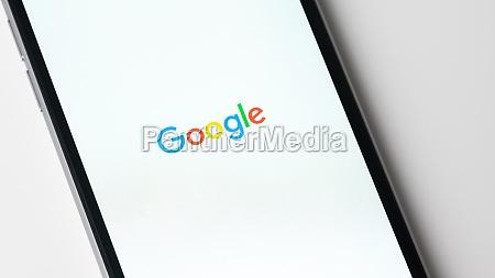 google app startet auf apple iphone