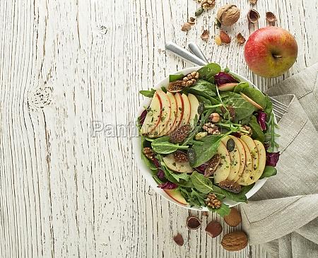 gruene salatfrucht