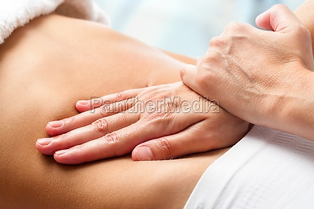 osteopathische bauchmassage