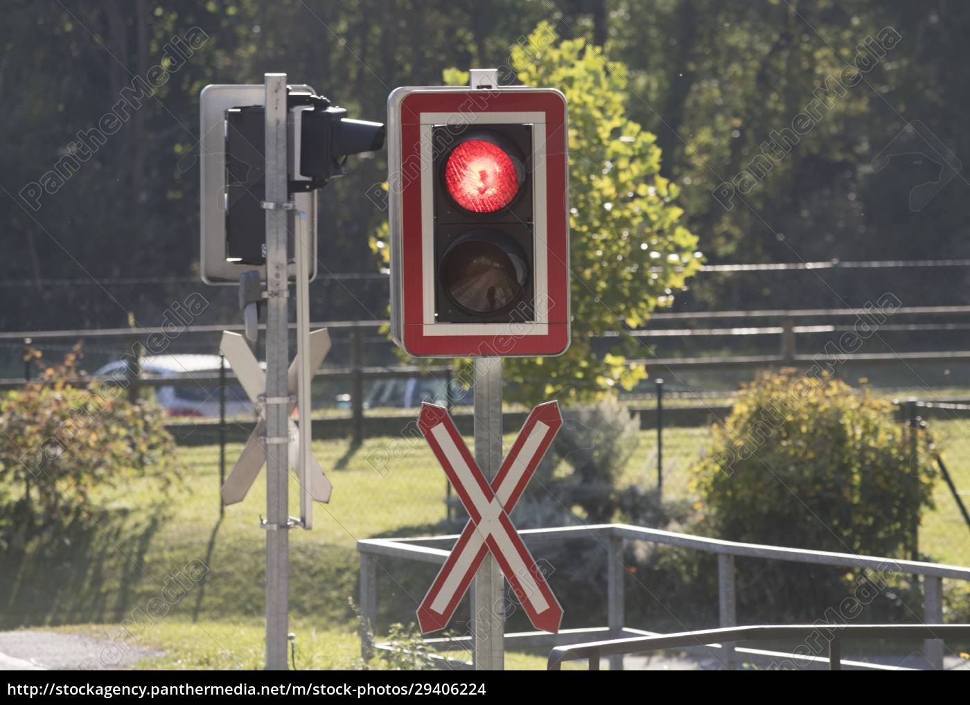 ungated, railroad, crossing, with, level, crossing - 29406224