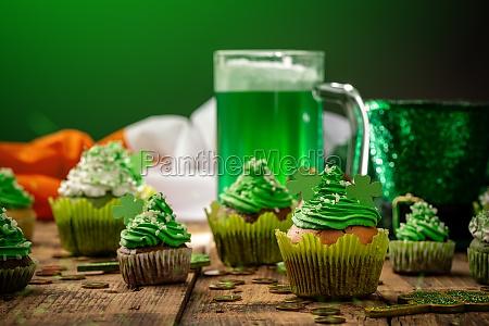 koestlich dekoriert cupcakes
