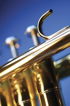 nahaufnahme der trompetentasten