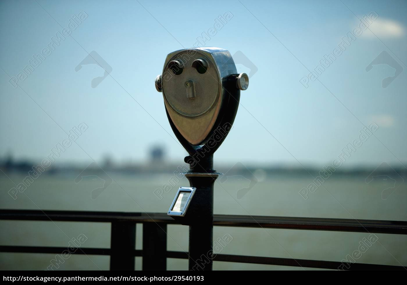 coin-operated, binocular, at, an, observation, point, - 29540193
