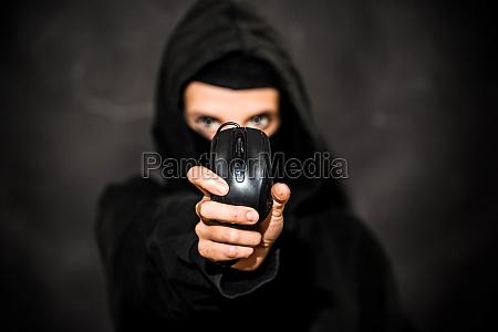 internetkriminalitaet oder cyberkriminalitaet