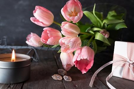 rosa tulpen fuer den muttertag