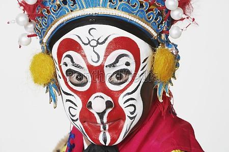 portraet eines chinesischen opernkuenstlers
