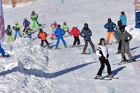 wintersport in OEsterreich schigebiet gosau salzkammergut