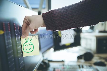 smiley-illustration, am, arbeitsplatz, metapher, für, feedback, und - 29628978