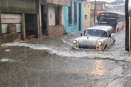 street, flooded, by, rainwater - 29630100