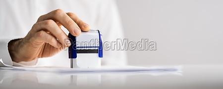 genehmigte papierdokumentstempel