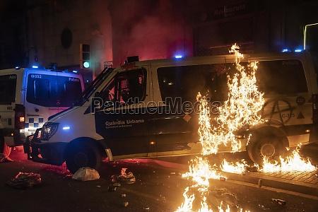 barcelona 27 februar 2021zusammenstoesse zwischen demonstranten