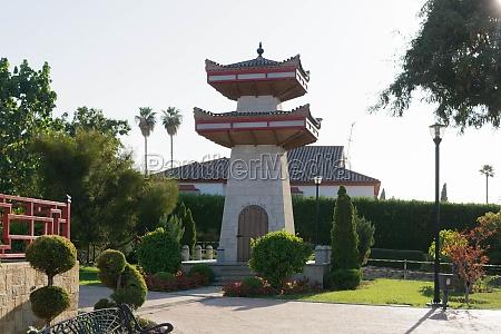 pagode in einem offenen chinesischen garten