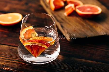 infundiertes, wasser, mit, blutigen, orangen - 29679946