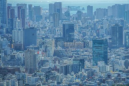 tokyo skyline von der aussichtsplattform des