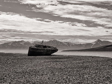 boat, wreck - 29694234