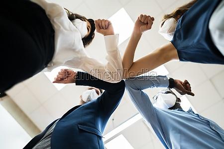 diverse business people hands stack gemeinschaft