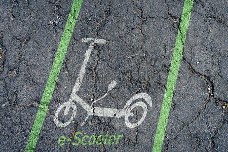 parkplatz fuer menschen mit behinderungen